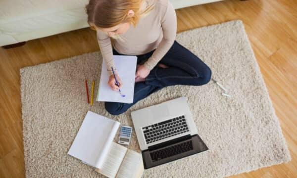 Самые востребованные профессии, помогающие быстро заработать в интернете